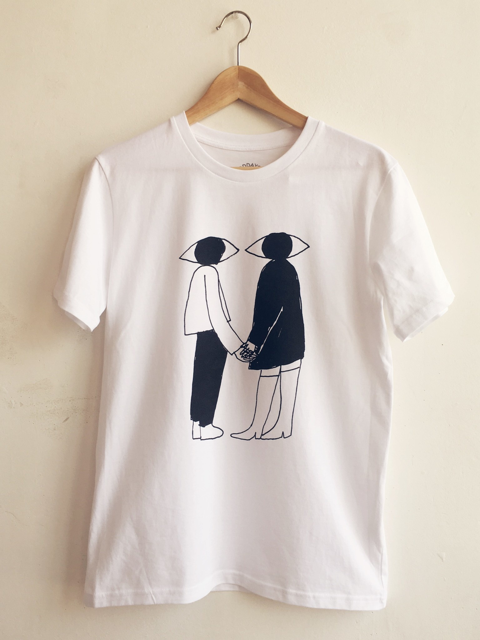 "Good Day Club T-shirt ""Love At First Sight"""