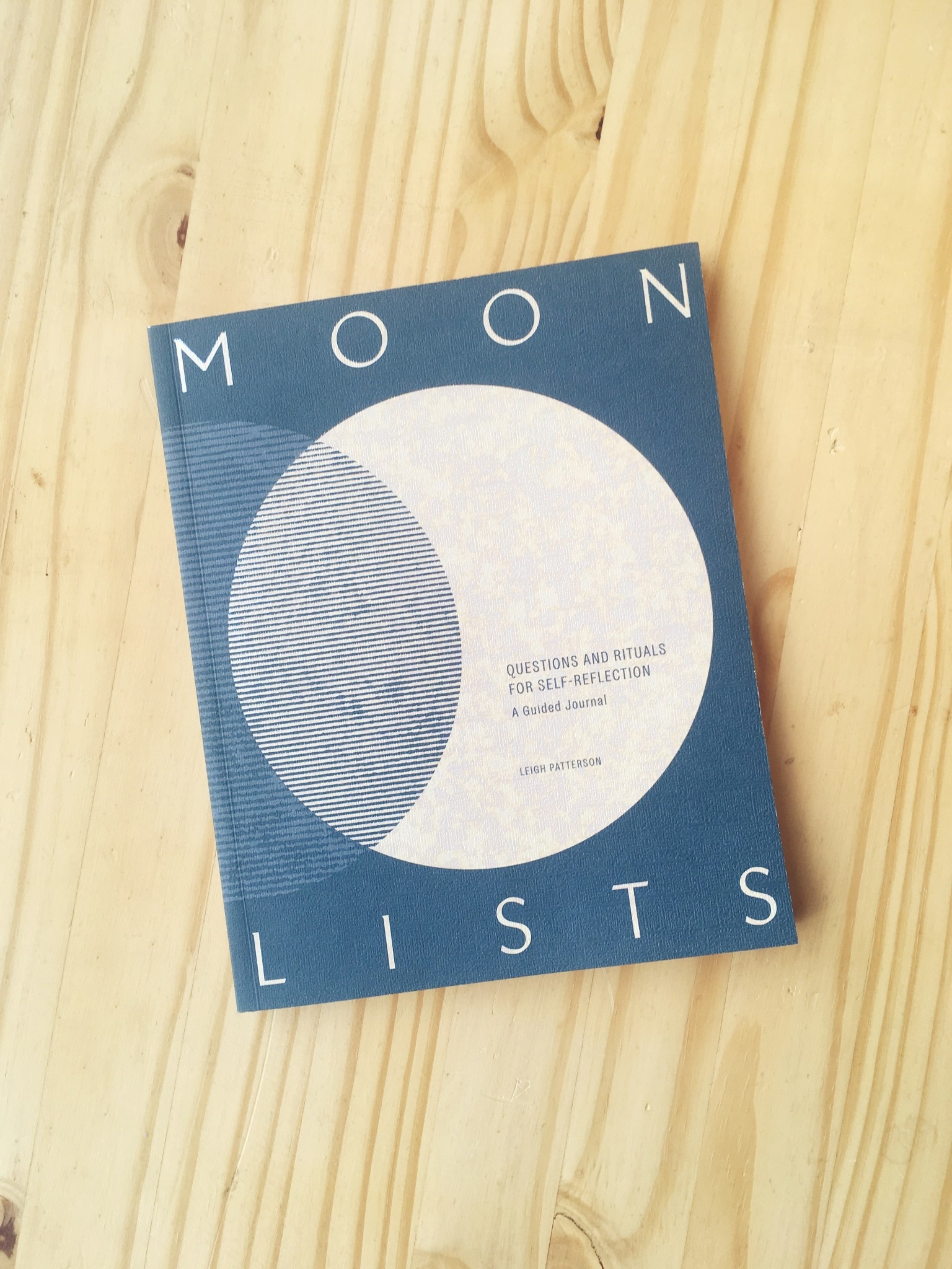 "Leigh Patterson Cahier d'exercices ""Moon Lists"""