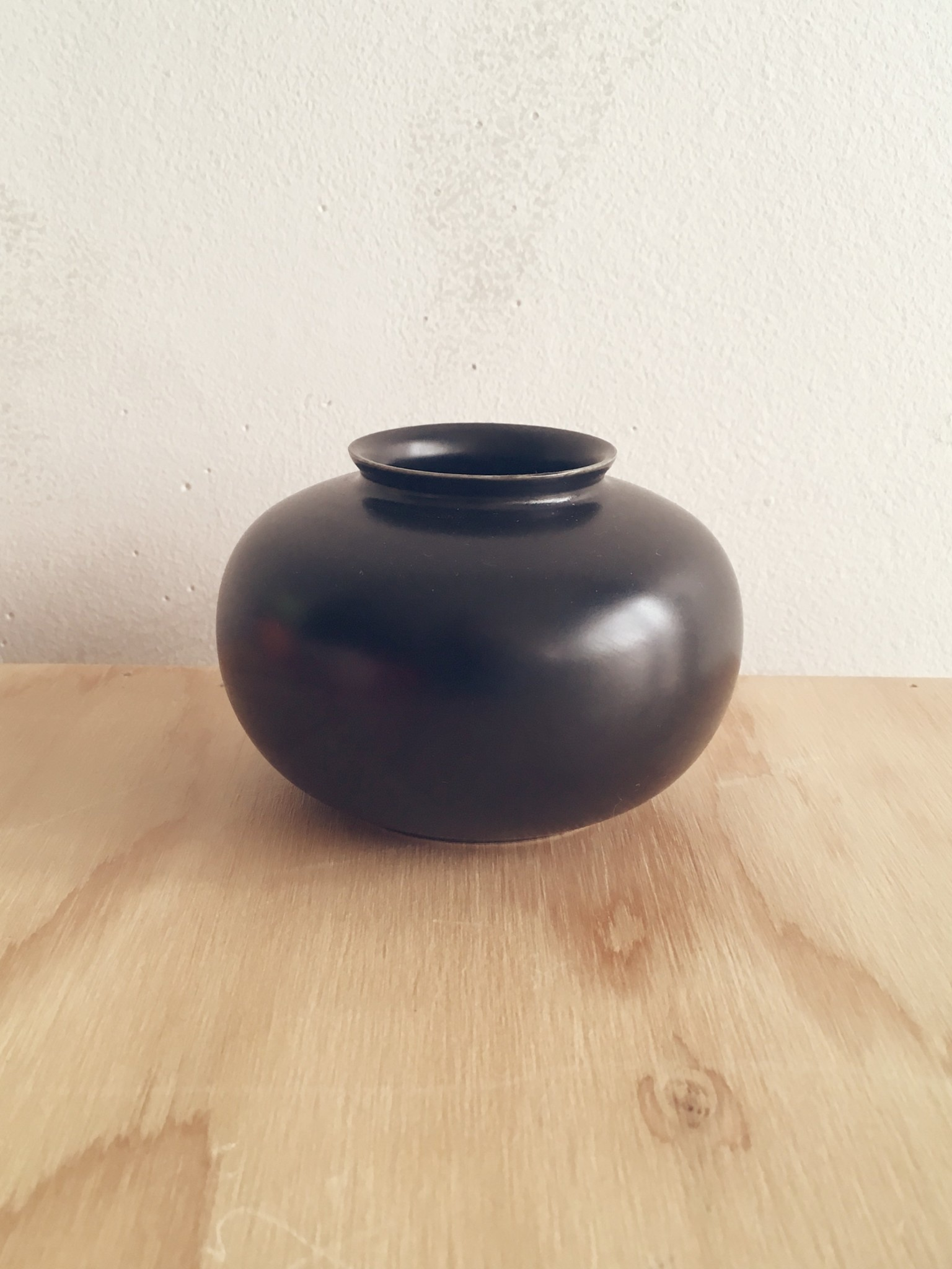 Middle Kingdom Mini Vase 7