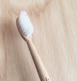 Truthbrush Brosse à dents en bambou à poils moyen