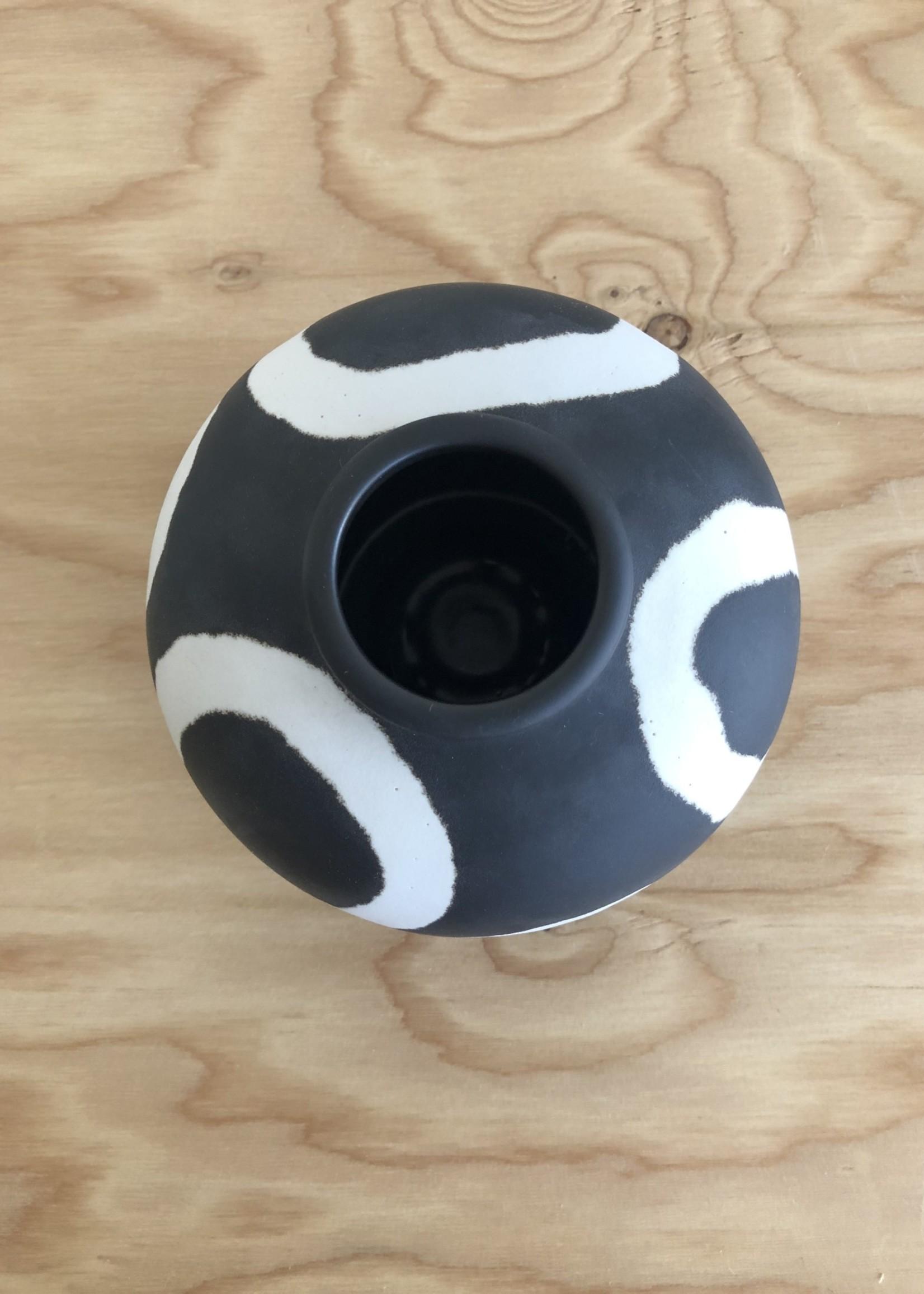 "Middle Kingdom Vase Memphis Jade Ring ""Noir"""