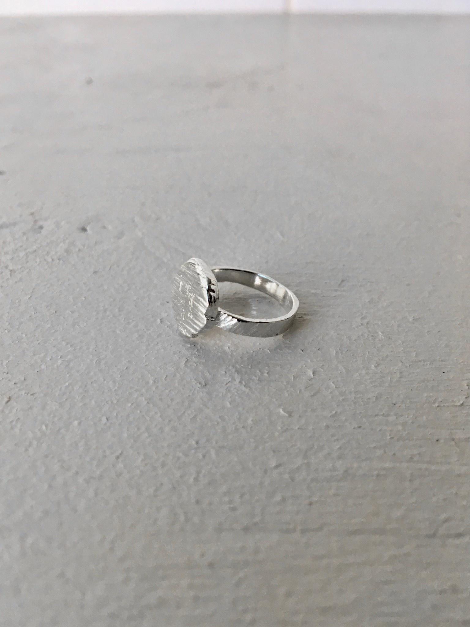 Marmod8 Silver Ring Textured Circle