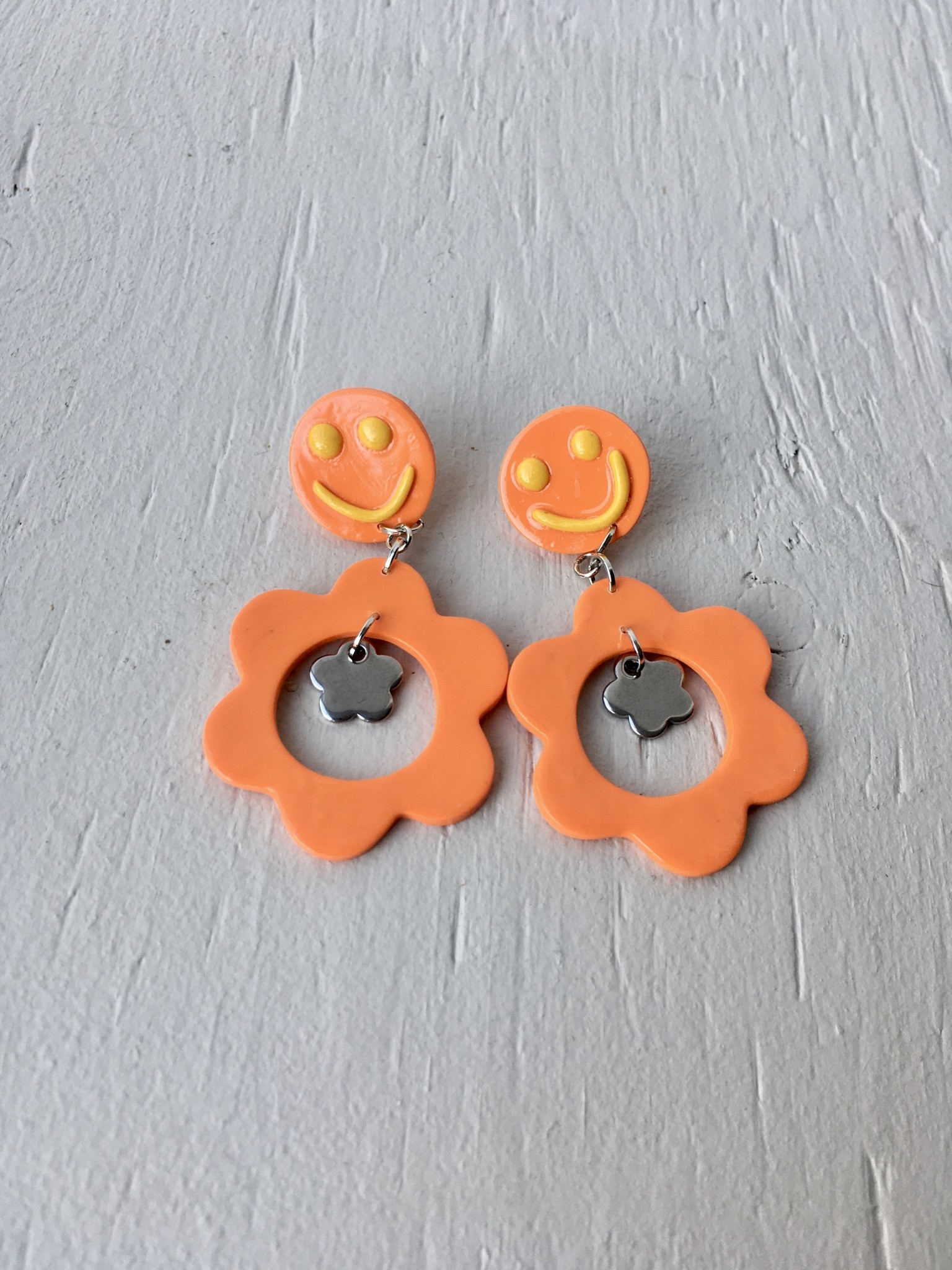 Emma Jewels Smileys orange avec fleur