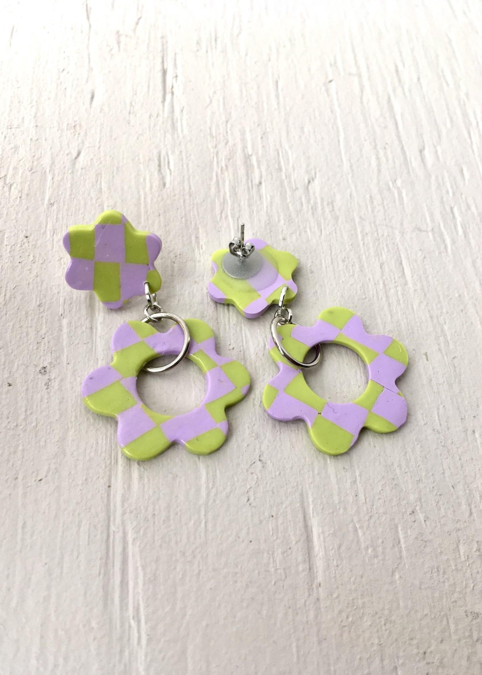 Emma Jewels Pink Checkerboard Flower Studs