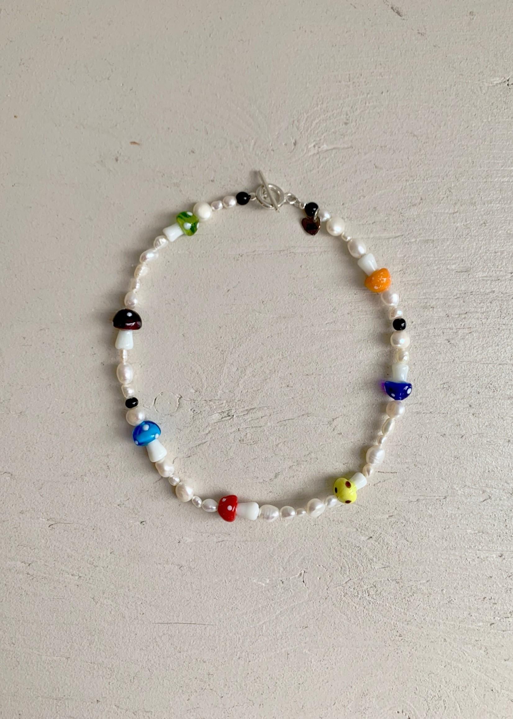 True Middle Colliers à perles par True Middle
