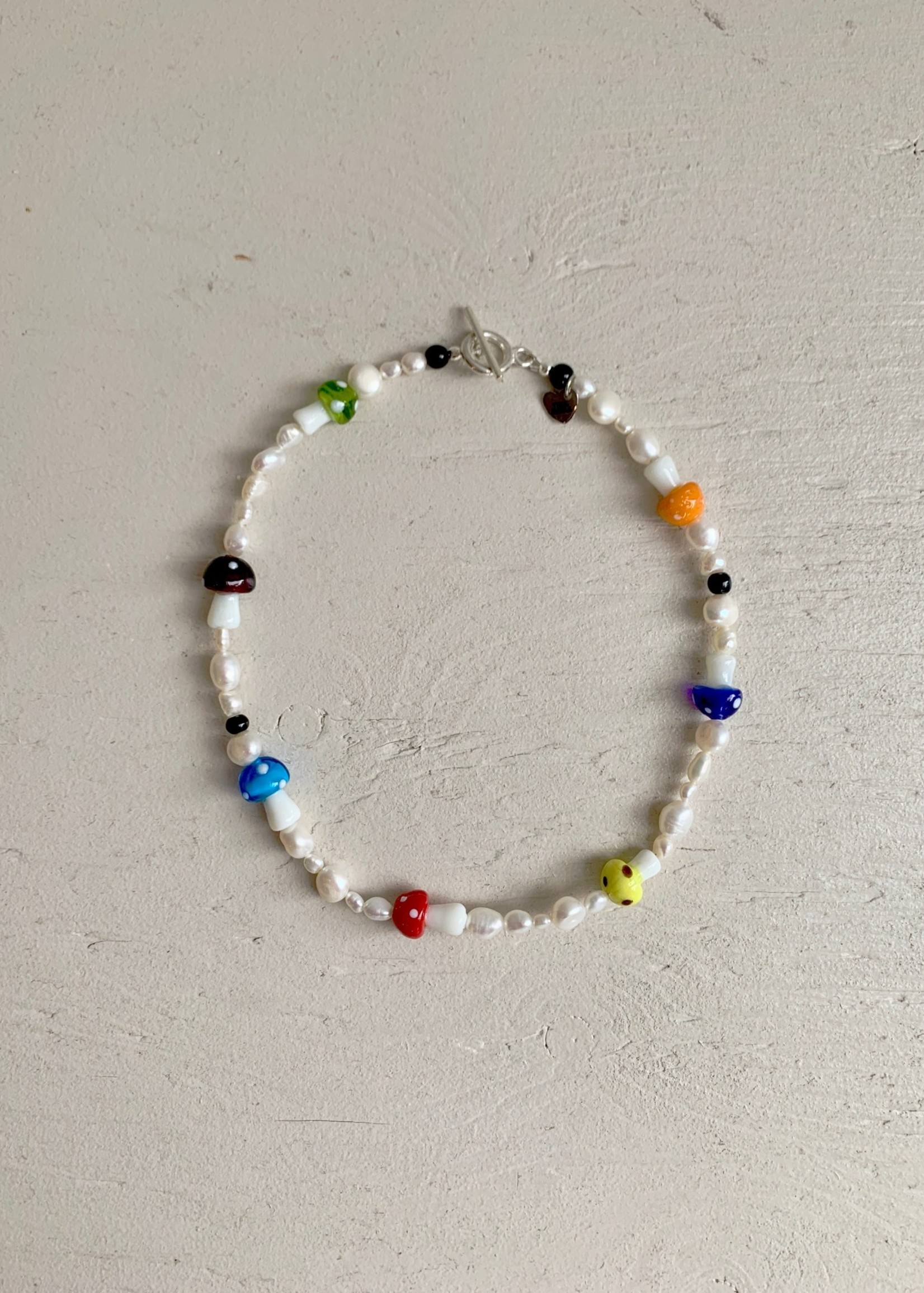 True Middle True Middle Pearl Necklaces