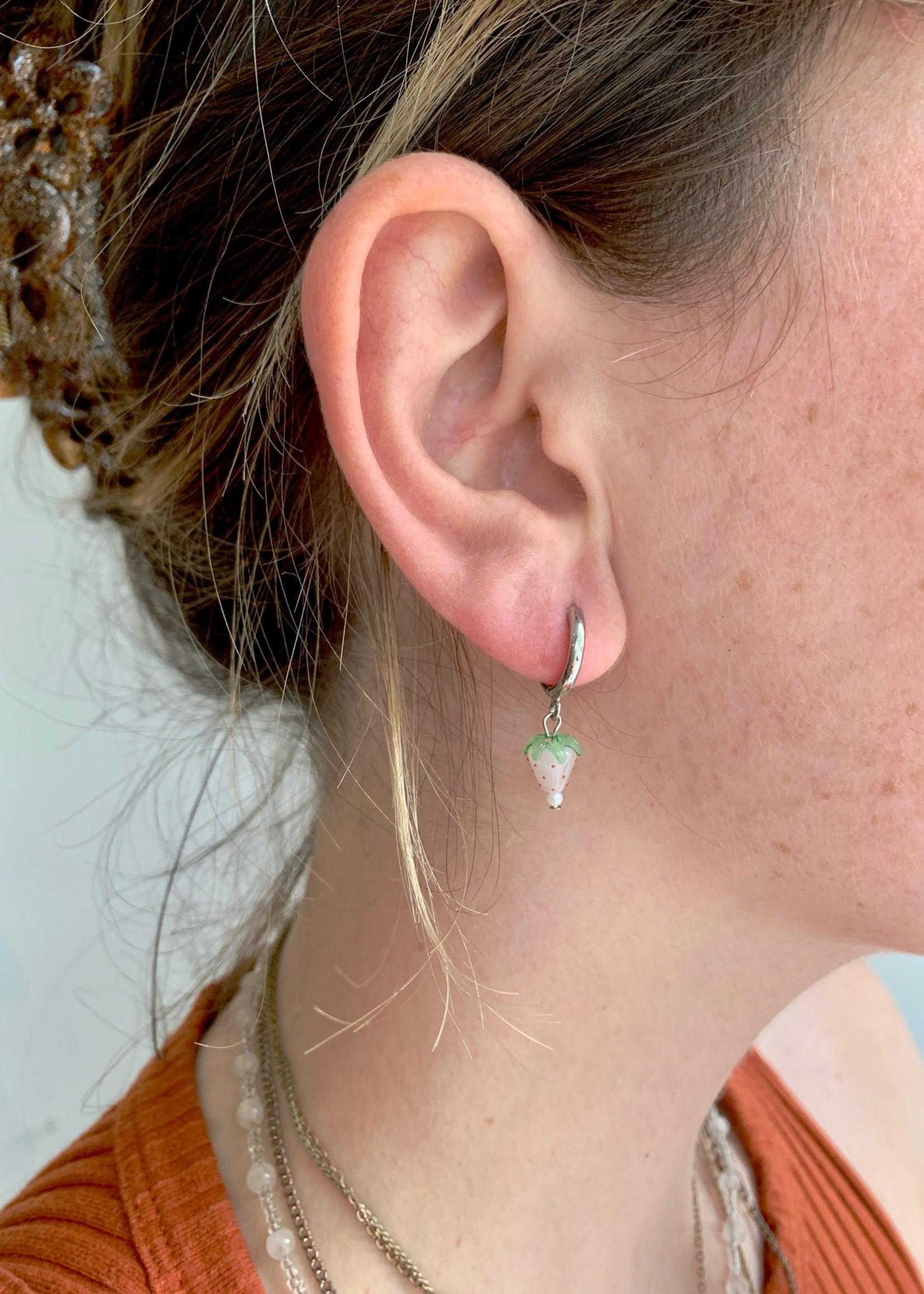 Emri Studio Boucles d'oreilles anneaux en fruits par EMRI Studio