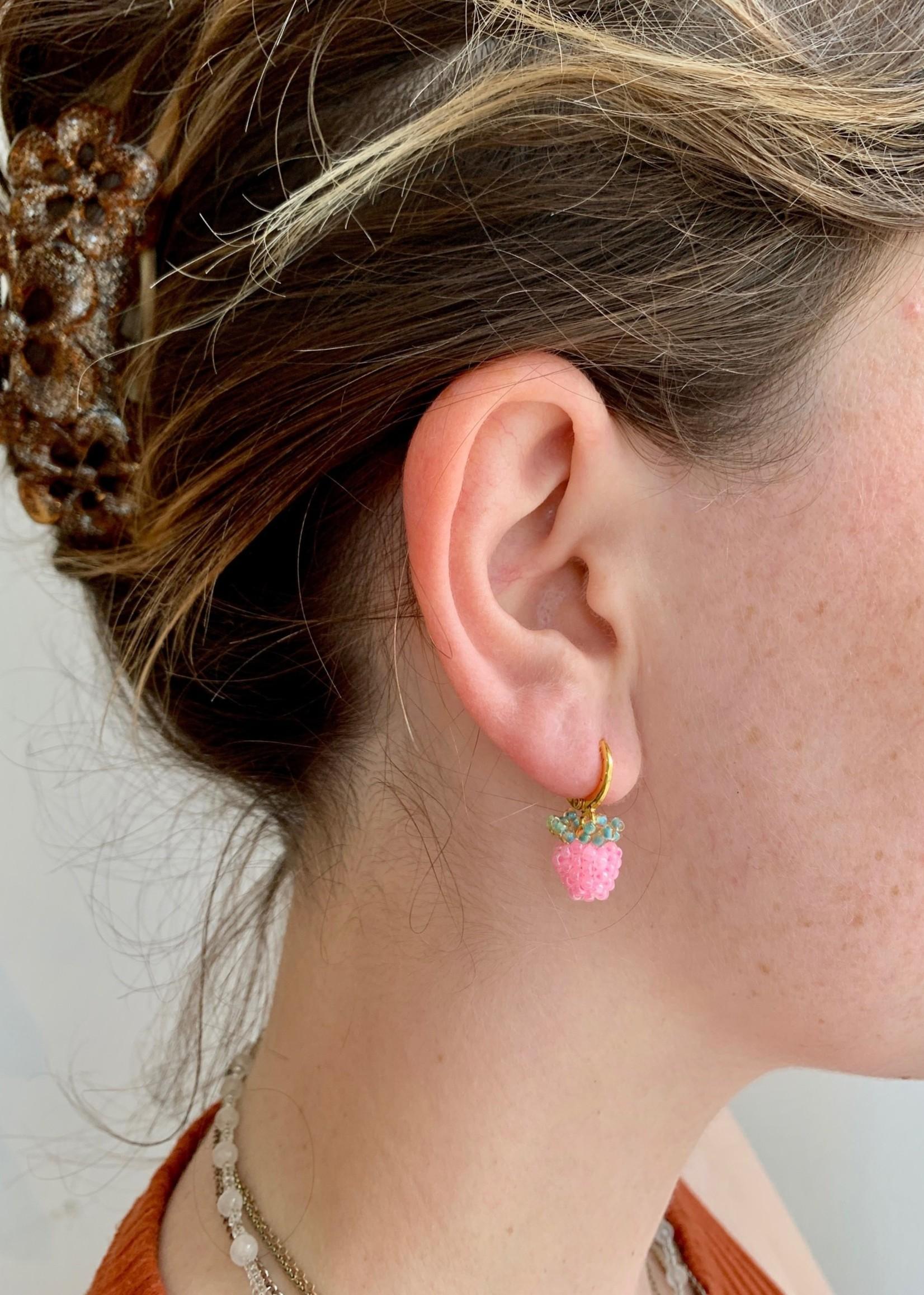 Emri Studio Boucles d'oreilles anneaux minis en fruits par EMRI Studio