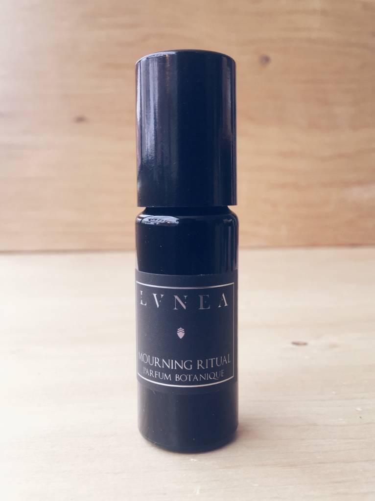 "Lvnea Huile de Parfum Botanique  ""Mourning Ritual"""