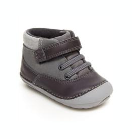 Striderite Soft Motion Felix Sneaker in Dark Grey