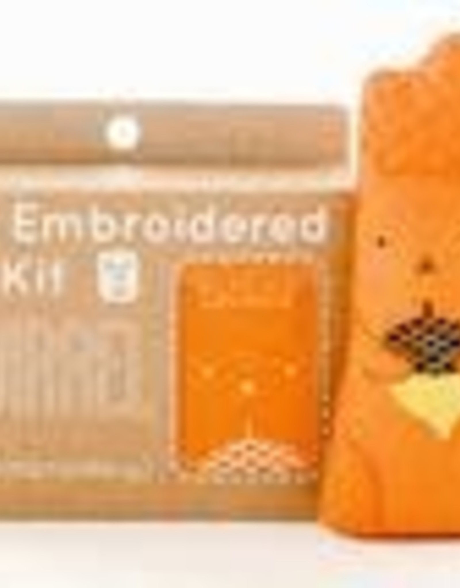 Kiriki Embroidery Kit Level  2 squirrel