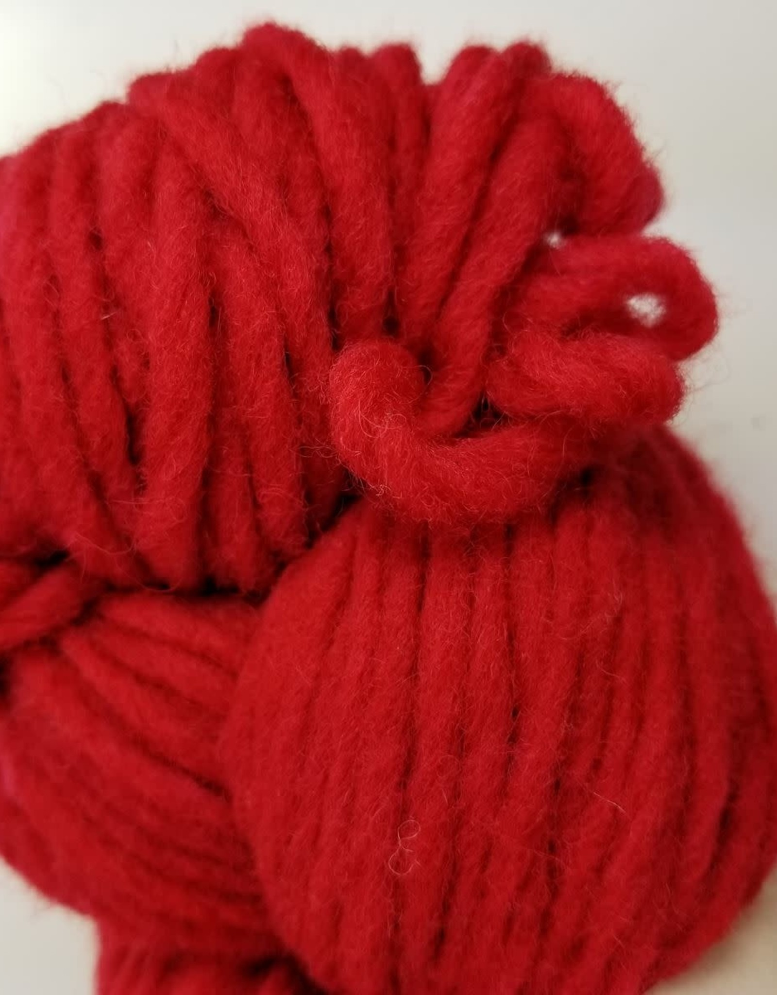CWM Soft Spun Lopi 4oz 16 red