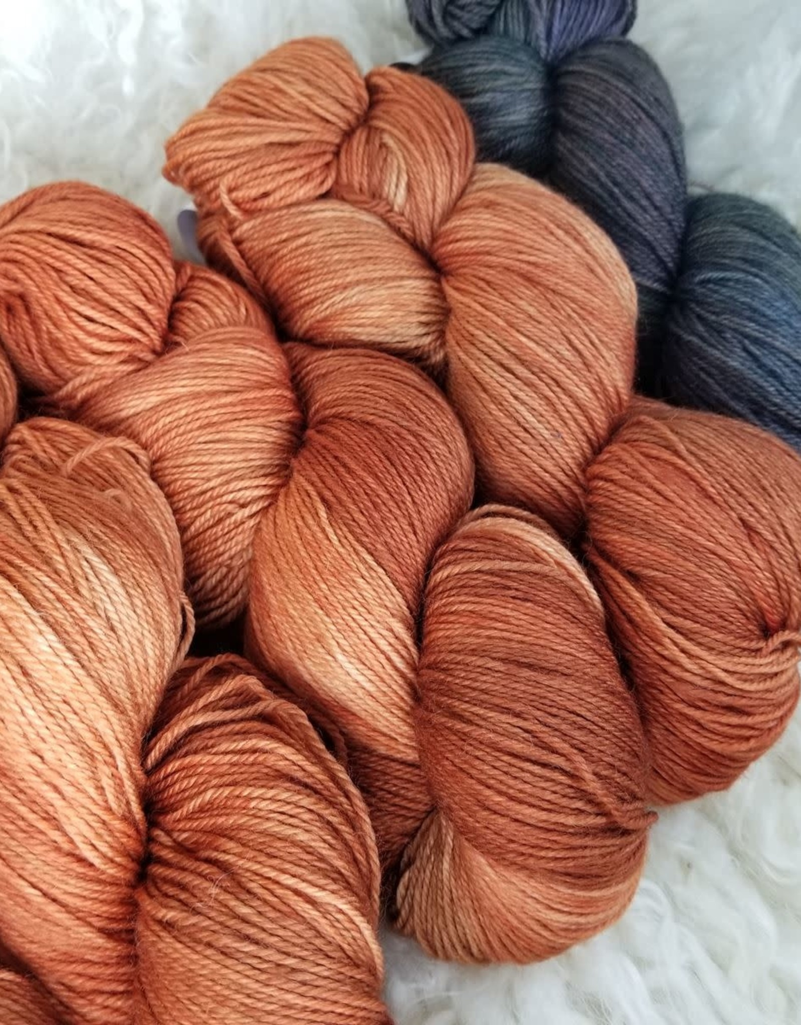 """Palouse Yarn Co KIT Darkwater Pullover Kabocha Squash 4+1skein, fit to sz 53.75"""" bust"""