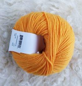 Universal Yarns Deluxe SW orangesicle