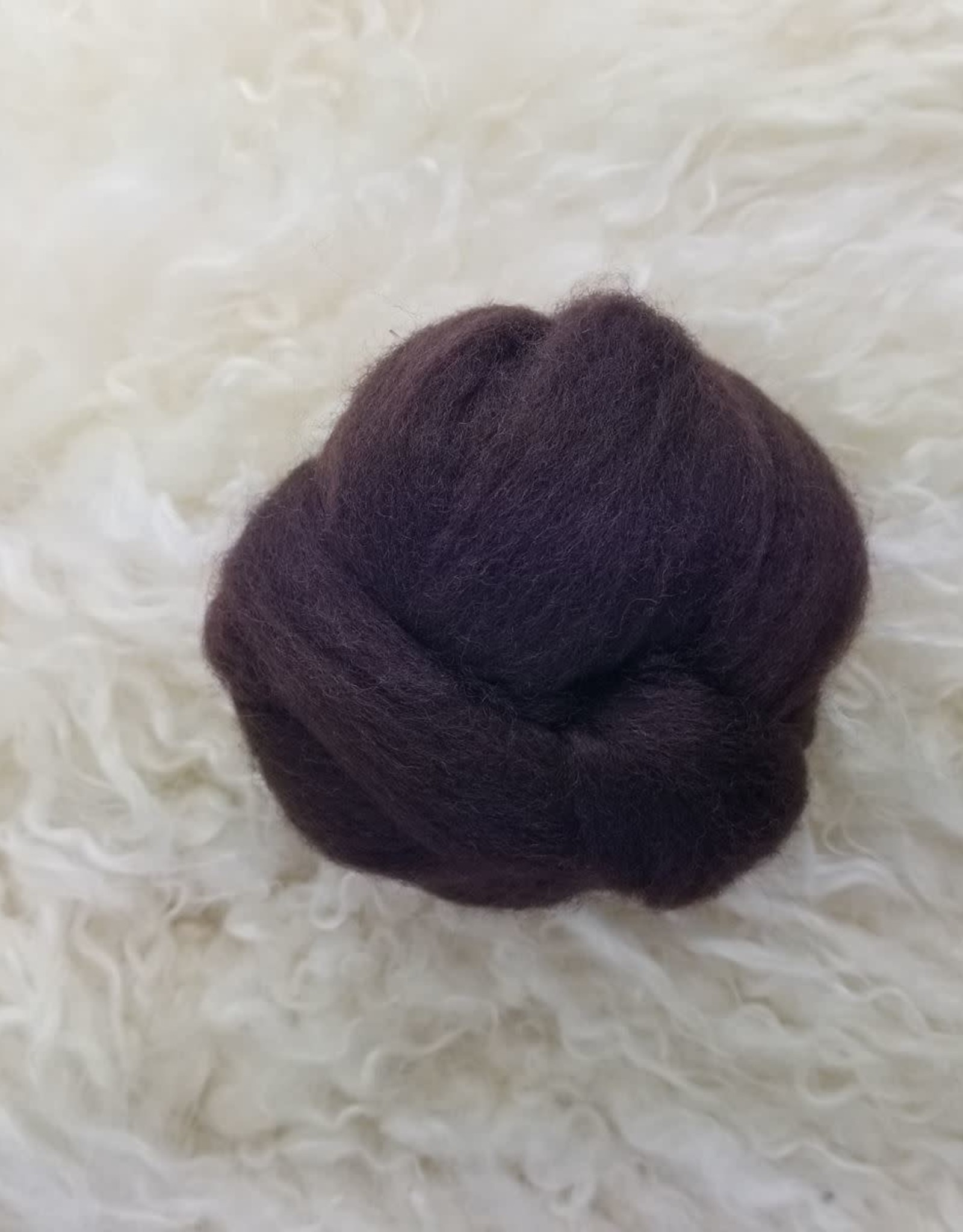 Ashford Fiber Corriedale 2oz Dyed Chocolate combed sliver