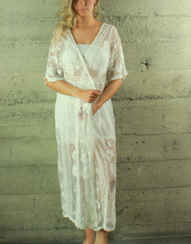 POL Clothing Zoe Kimono White