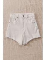 trend : notes Isela Shorts White
