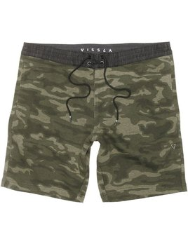 "VISSLA VISSLA SOFA SURFER ALL CAMO 18.5"" SHORT"