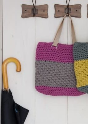 Hoooked Crochet Kit Valencia Bag Crazy Plum