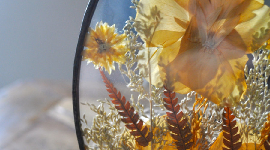 DIY: Spring Flower Pressed Crafts