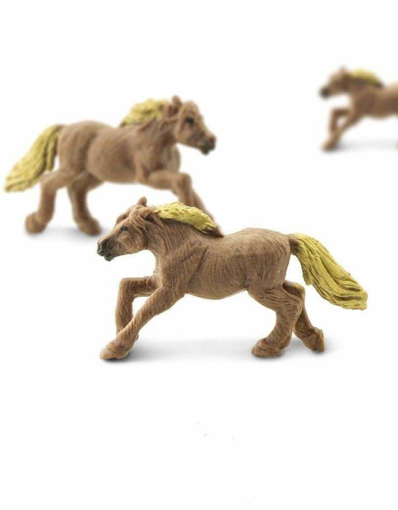 Safari Good Luck Mini Farm Animals