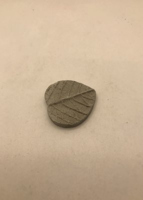 Jeremie Minatures Miniature Cement Stepping Stone Leaf