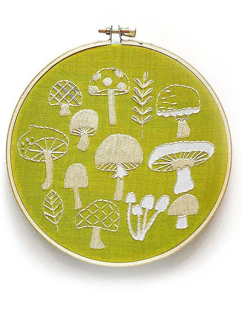 Rikrack Embroidery Kit Mushrooms