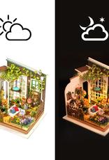 Hands Craft Miniature Dollhouse Kit Miller's Garden