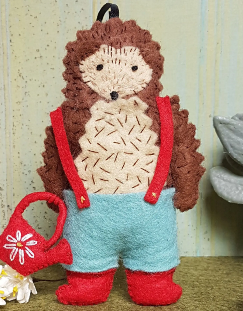 Corinne Lapierre Limited Felt Craft Kit Mr. Hedgehog Gardener