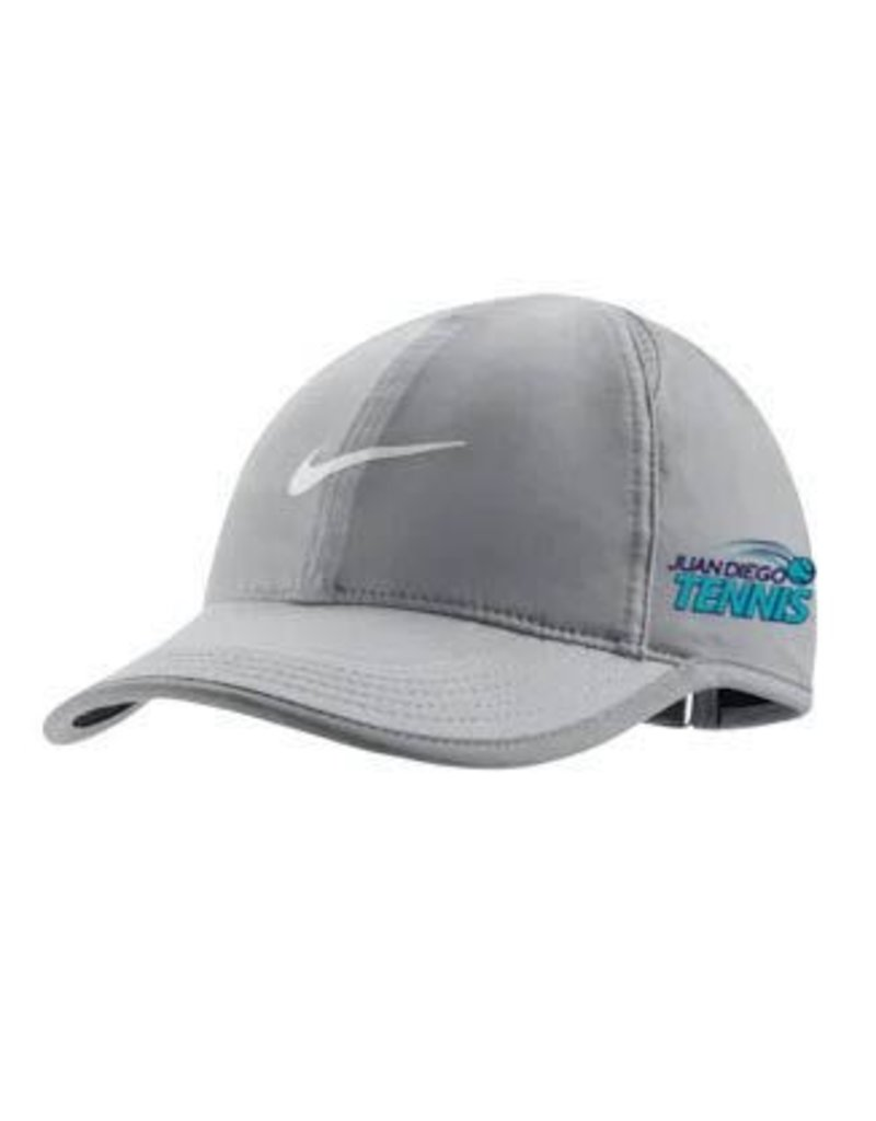 JD Tennis Nike Featherlight Cap in Atmosphere Grey