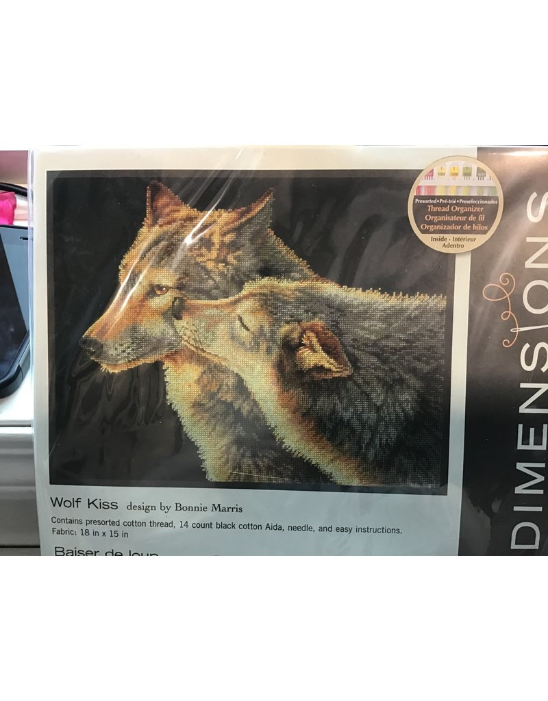 Dimensions Dimensions - Wolf Kiss Cross Stitch