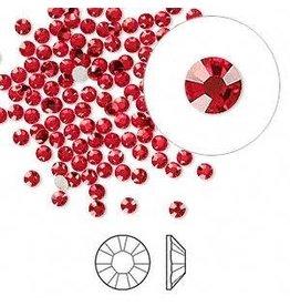 Firemountain Beads Flat back, Swarovski® crystal rhinestone, Crystal Passions®, light Siam, foil back, 2.5-2.7mm Xilion rose (2058), SS9. Sold per pkg of 144 (1 gross).