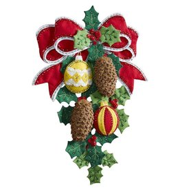 """Pinecones And Holly Felt Wall Hanging Applique Kit 13""""X17"""""""