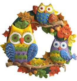 "Bucilla Felt Wreath Applique Kit 17"" Round Owl"