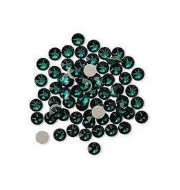 Flat back, Swarovski® crystal rhinestone, Crystal Passions®, emerald, foil back, 3-3.2mm Xirius rose (2088), SS12. Sold per pkg of 144
