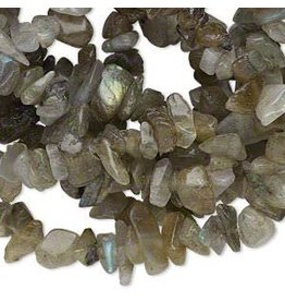 Bead, labradorite (natural), medium chip, Mohs hardness 6 to 6-1/2. Sold per 34-inch strand.