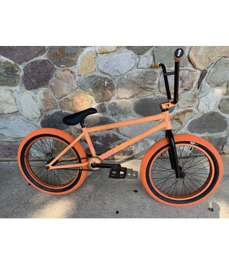 CUSTOM BIKE FEDERAL PEACH