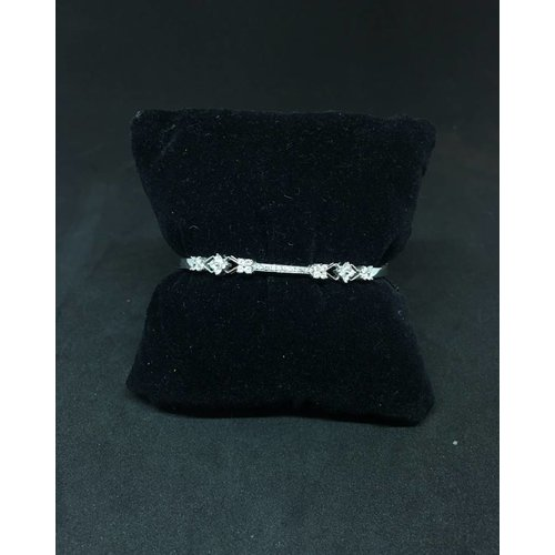 Amour 14k White Gold 0.75ct Diamond Bangle