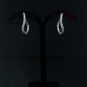 Amour 14k White Gold 1.00ct Oval Hoop Earrings