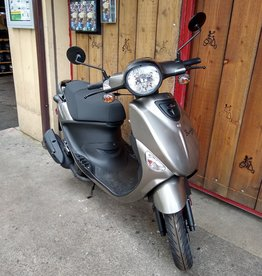 Genuine Scooters 2020 Gloss Titanium Genuine Buddy 50cc Moped