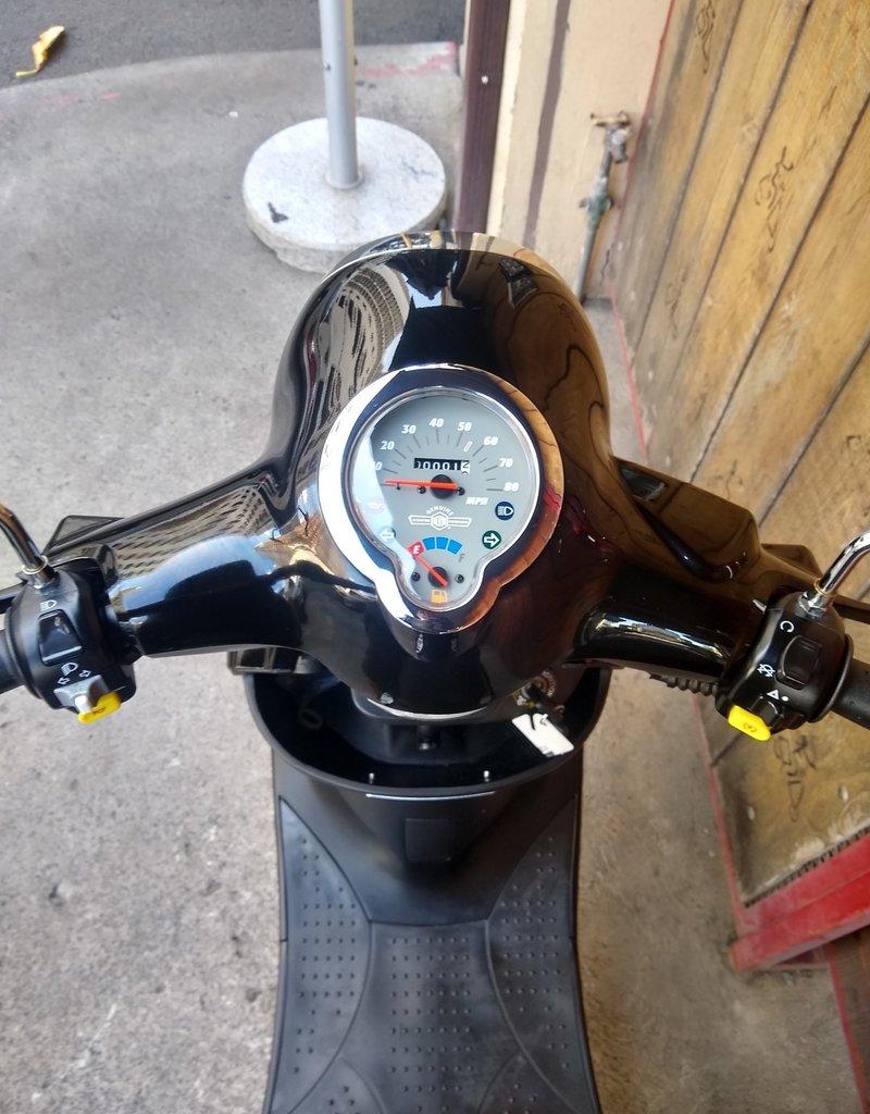Genuine Scooters 2020 Black Genuine Buddy W/rear rack + cowl guards (Night Rider)