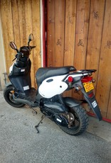 Genuine Scooters 2018 White Genuine Roughhouse 50cc Moped (#R-69) (T.I)