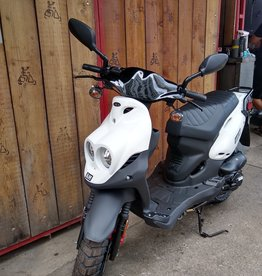 Genuine Scooters 2021 White Genuine Roughhouse 50cc Moped