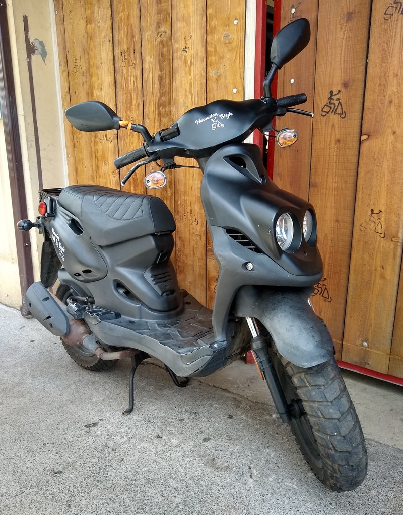 Genuine Scooters 2019 Black Genuine Roughhouse (#R-40)