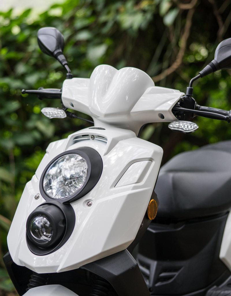 Genuine Scooters 2021 White Genuine Hooligan 170i Scooter