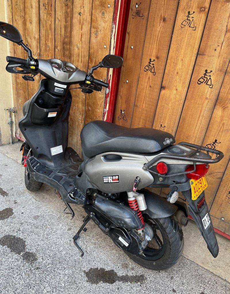 Genuine Scooters 2017 Matte Titanium Genuine Roughhouse Sport 50cc Moped  (LX-13)