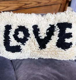 Creative Co-Op Wool Shag Love Pillow - Blk/Cream