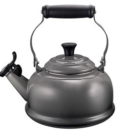 Le Creuset 1.7 L Classic Whistling Kettle, Oyster