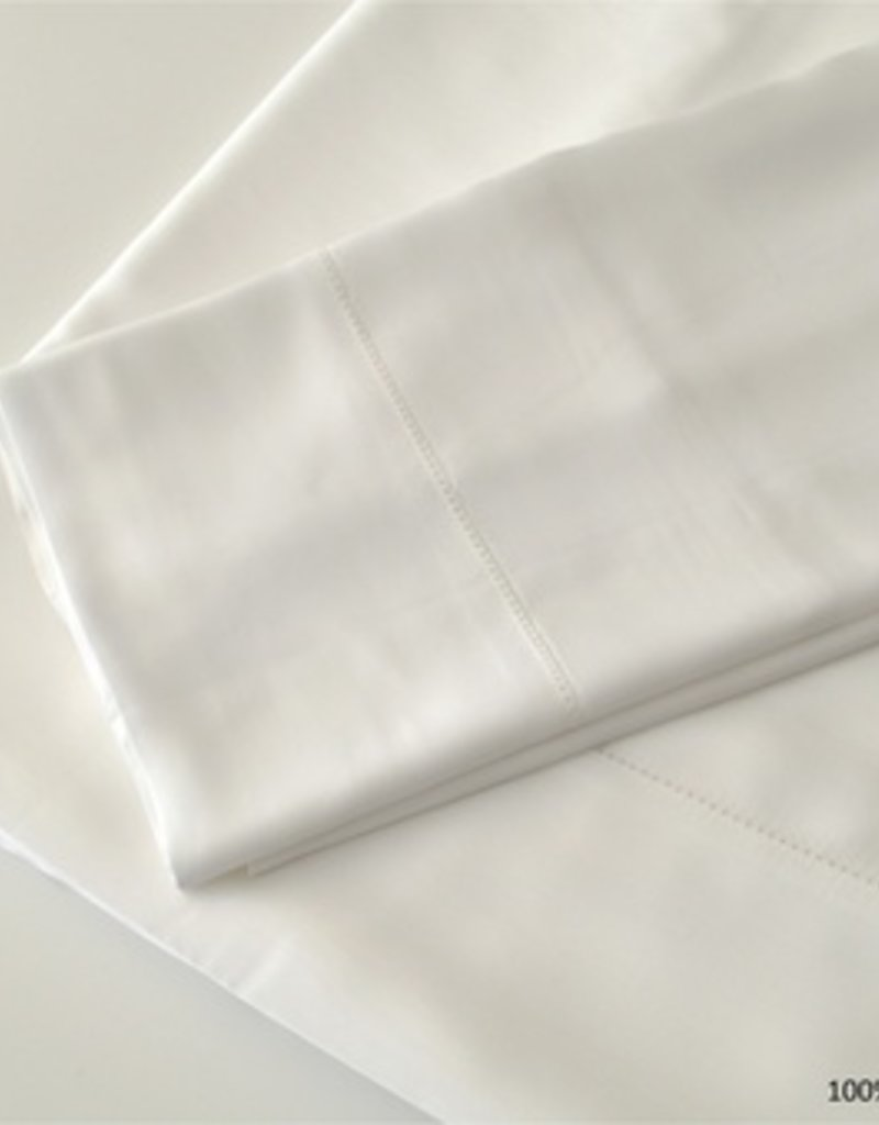 The St.Pierre Home Fashion Collection Bamboo King Sheet Set White
