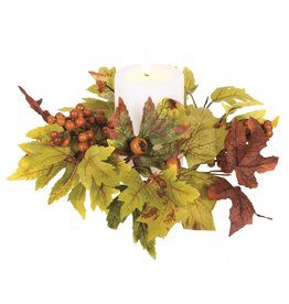 Candym Maple Leaf Candle Ring with Berries